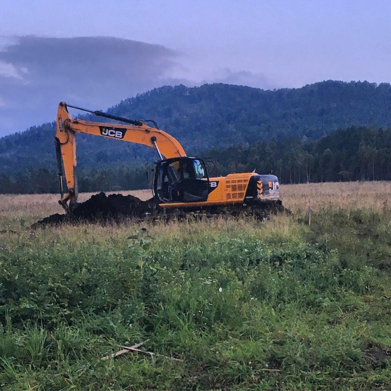 barn construction begins